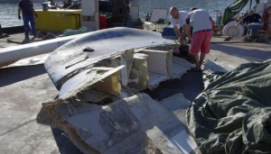 Oyster 825 Broader view of damaged keel section